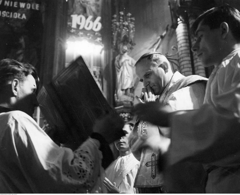Metropolita krakowski Karol Wojtyła w Białymstoku jeszcze przed wyborem na papieża Jana Pawła II