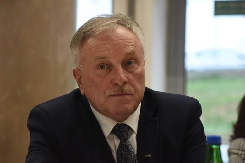 Radny województwa Bogusław Motowidełko jest ze Świebodzina. Należy do klubu Prawa i Sprawiedliwości