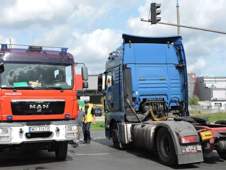 Ostrołęka. Wypadek na skrzyżowaniu alei Wojska Polskiego i Kołobrzeskiej
