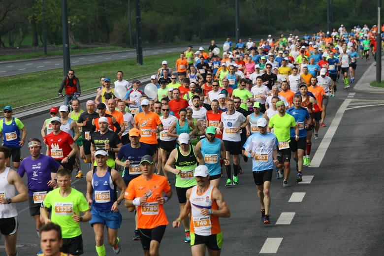 DOZ Maraton Łódź 2016. Ponad 2 tysiące maratończyków z całego świata. A wśród nich gwiazdy [ZDJĘCIA]