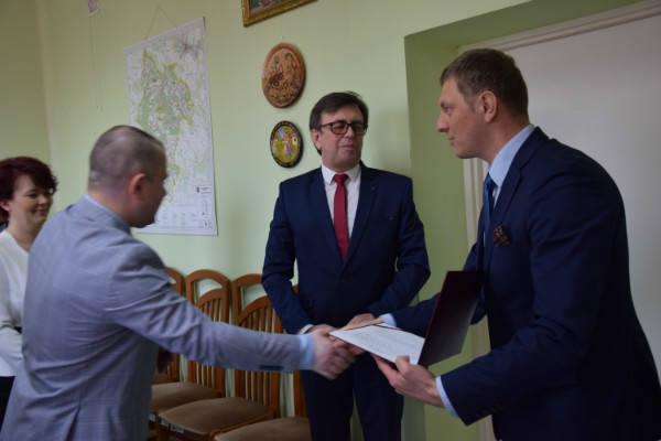 Rafał Krupa, były starosta zawierciański, nowym dyrektorem szpitala we Włoszczowie. Kim jest ?