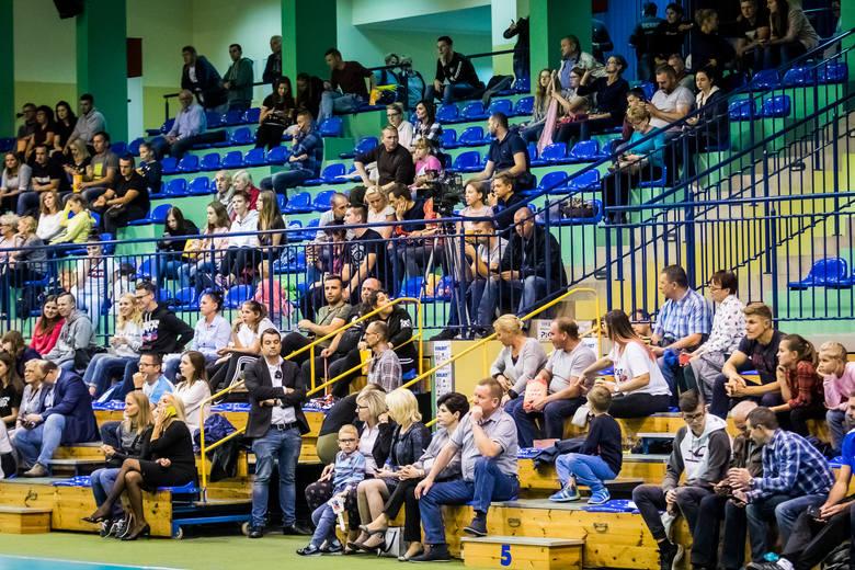Sporym zainteresowaniem kibiców cieszyły się spotkania w pierwszym dniu turnieju siatkarskiego im. Wojciecha Wesołowskiego, który rozgrywany jest w Solcu