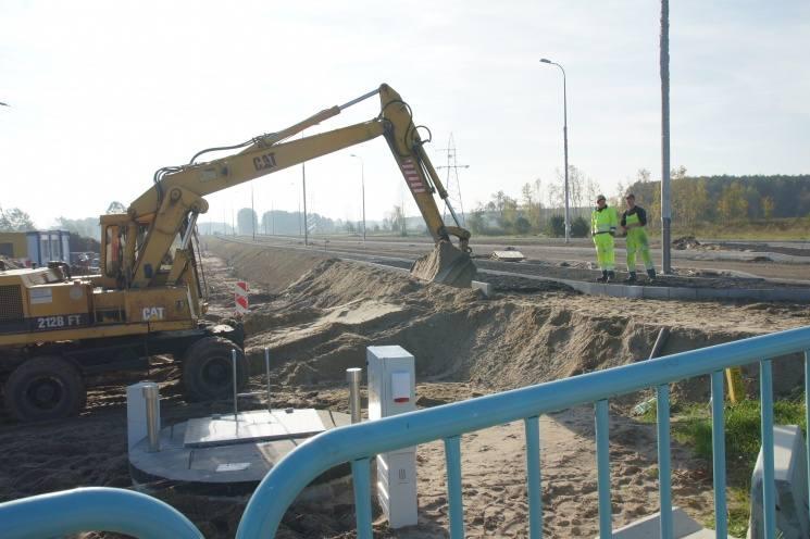 W 2014 roku dopiero trwała tutaj budowa drogi do południowej strefy gospodarczej w Nowej Soli. Teraz budują się przy niej kolejne fabryki. A projektowana jest kolejna znanych na świecie wafli ryżowych