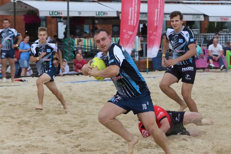 Rugby na plaży w Manufakturze. Zobacz zdjęcia z turnieju