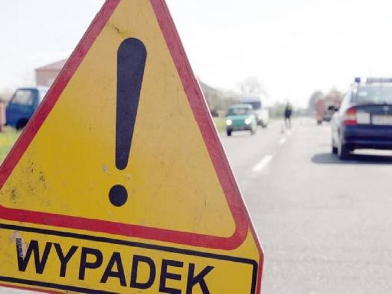 Na ulicy 1 Maja w Bytowie kierowca samochodu ciężarowego najechał na tył Opla.