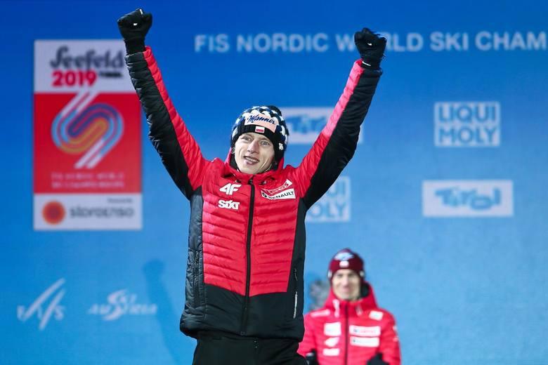 Miejsce 10 - Dawid Kubacki (skoki narciarskie)Zwycięzca ubiegłorocznego Turnieju Czterech Skoczni, gdzie wyprzedził  Mariusa Lindvika i Karla Geigera.