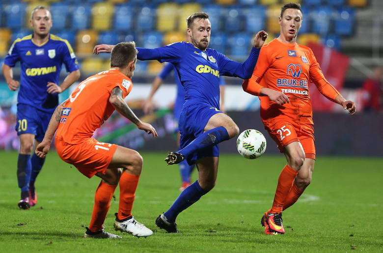 Po dwutygodniowej przerwie spowodowanej meczami narodowych reprezentacji w weekend do walki powróciły zespoły Lotto Ekstraklasy. Wnioskując po wynikach,
