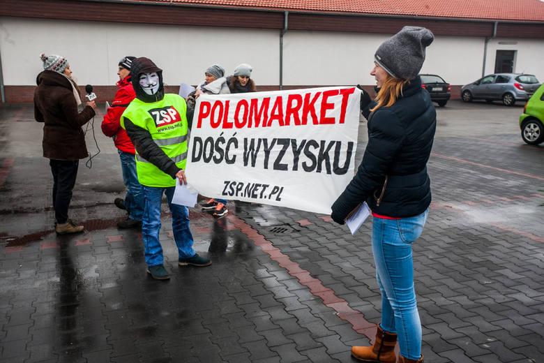 18 lutego byli pracownicy Polo protestowali przed trzema bydgoskimi sklepami. Wśród nich była m.in. pani Jola (w czarnej czapce i w beżowym szalu).