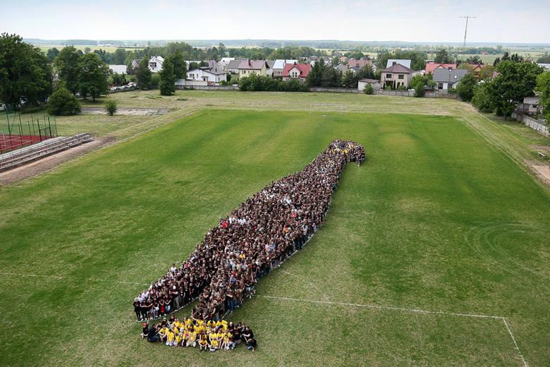 Goniądz na Biebrzą: Rekord Guinnessa. Ptak z ludzi największy na świecie (zdjęcia)