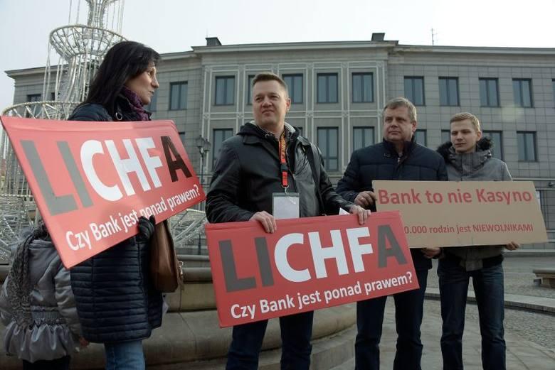 Rynek Kościuszki. Protest frankowiczów. W sobotę jadą do Warszawy (zdjęcia, wideo)