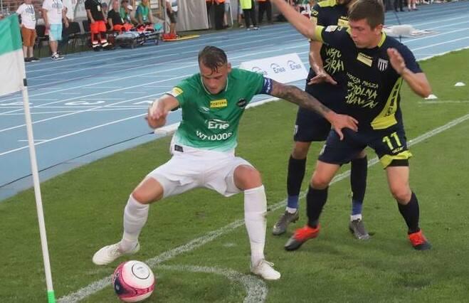 W letnim okienku transferowym zanosi się na wiele zmian kadrowych w zespole PKO Ekstraklasy, Radomiaku Radom.Nie jest wykluczone, że do zespołu może