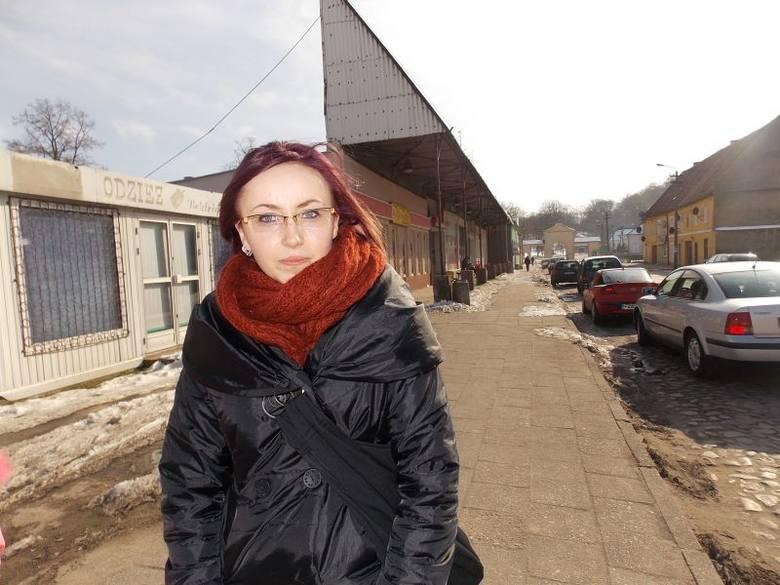 - Nic tu się nie dzieje, sklepy pozamykane na cztery spusty, gmina powoli wymiera - wylicza Agnieszka Kula. - Tak jak moi znajomi wyjeżdżam za granicę