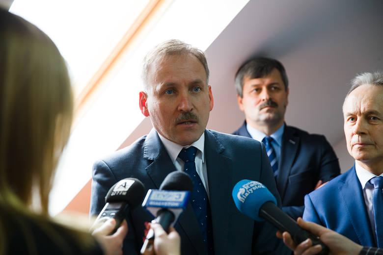 Podlascy samorządowcy, którzy chcą S19 na starym szlaku spotkali się wczoraj w biurze poselskim Dariusza Piontkowskiego z PiS