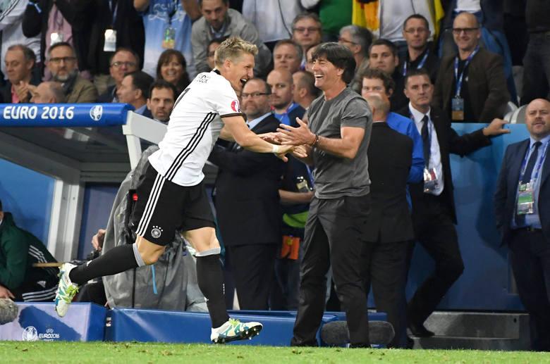 Wybicia Boatenga, radość Schweinsteigera i wąsy, czyli mecz Niemcy - Ukraina na zdjęciach