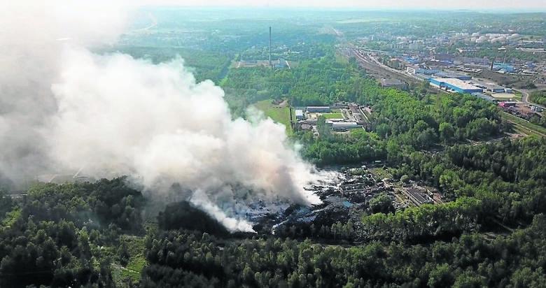 Po majowym pożarze w Trzebini mówiło się, że jego efektem będzie skażenie środowiska. Powietrze i gleba od lat są tu zatrute