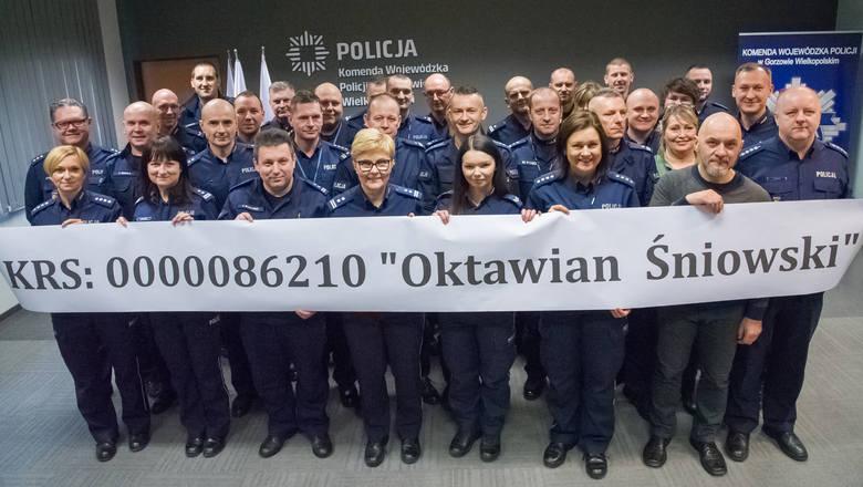 W Komendzie Wojewódzkiej Policji w Gorzowie podało hasło: wszystkie ręce na pokład i kto może, włącza się w akcję<br />