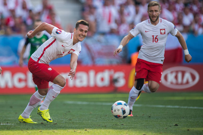Debiut reprezentacji Polski na wielkim turnieju odbył się już w 1938 roku. Od samego początku zaczynać prestiżowe zawody było nam bardzo trudno. Nasza