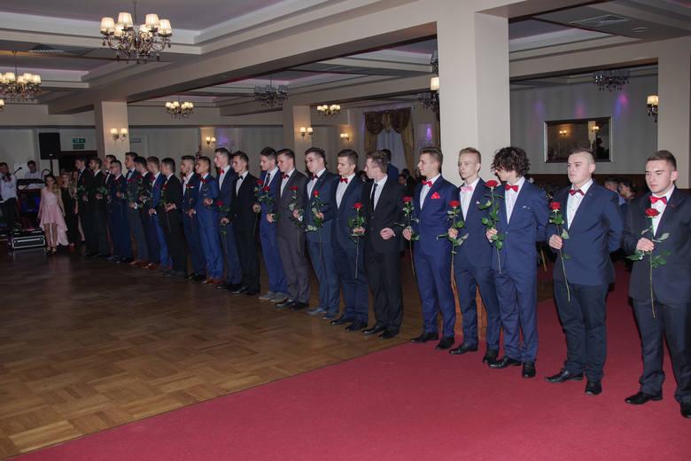 Studniówka 2018 w Gorlicach. Tak bawili się maturzyści z Zespołu Szkół Zawodowych [ZDJĘCIA]