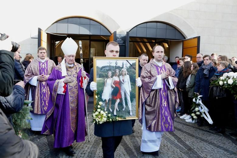 Pogrzeb trzech ofiar tragedii w Bukowinie Tatrzańskiej