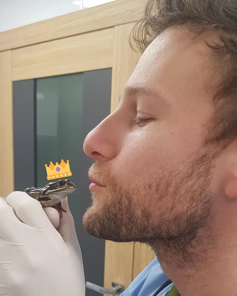 Weterynarz Marcin Wysokiński specjalizuje się w leczeniu nieudomowionych zwierząt