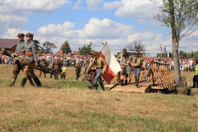Strona polska posiadała do dyspozycji 29 dywizji piechoty, w tym jedną ochotniczą i jedną ukraińską, oraz trzy dywizje kawalerii.