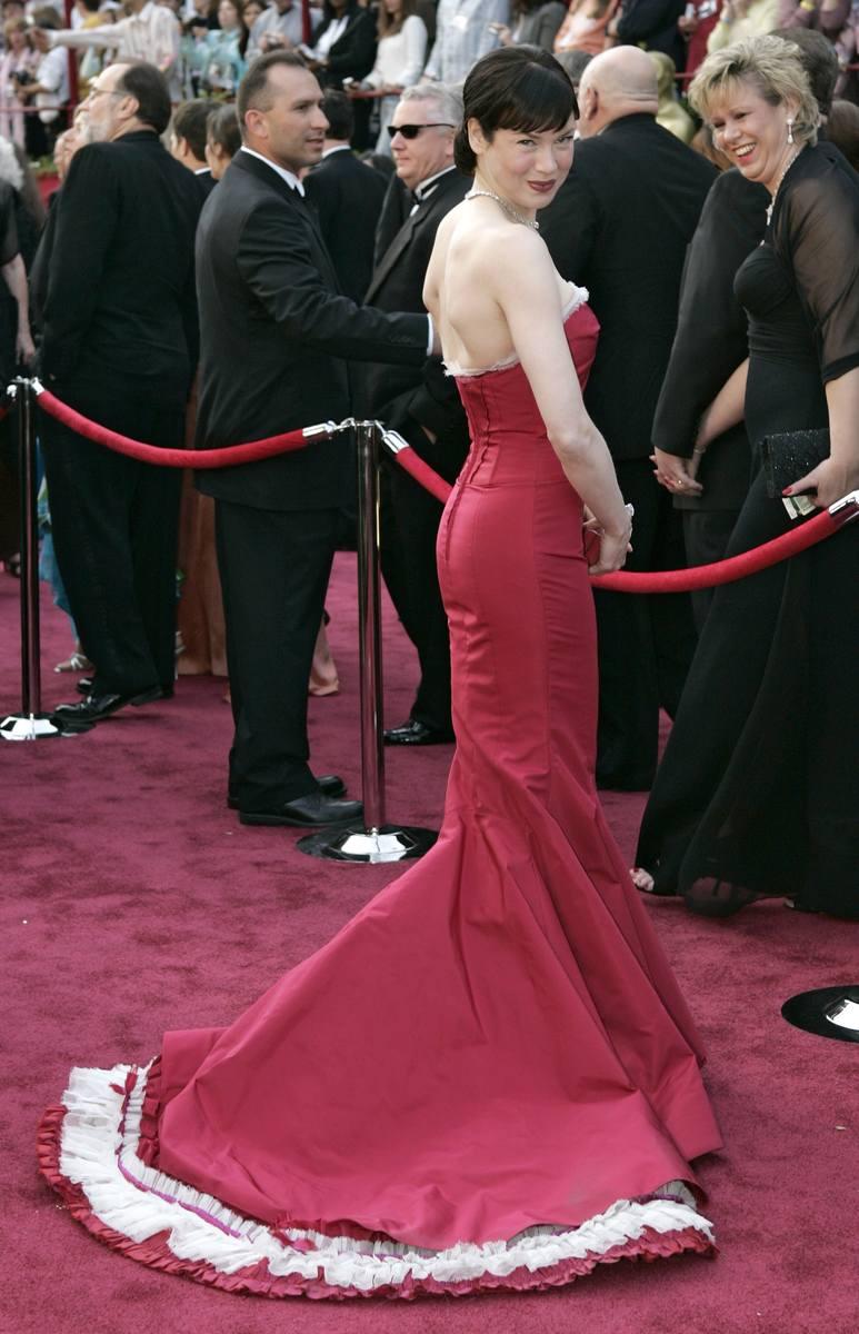 Renee Zellweger na 77. gali wręczenia Oscarów w 2005 r.