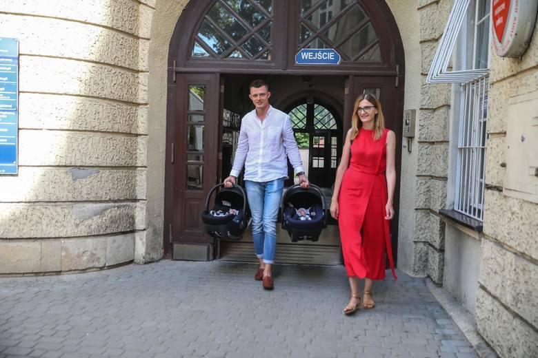 Wielkie wsparcie dla sześcioraczków z Tylmanowej: ponad 900 tysięcy złotych od samorządu!
