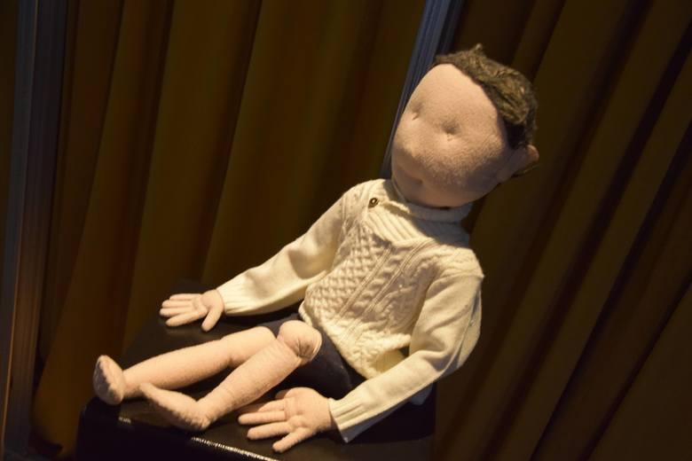 """W sobotę zielonogórskim BWA odbyło się otwarcie wystawy """"I made a model of you""""  Aleksandry Kubiak. Stypendystka Ministra Kultury i"""