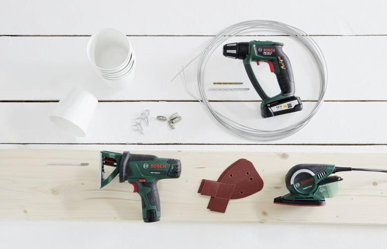 Do wykonania wiszącej półki przydadzą się podstawowe narzędzia - szczególnie wygodne w użyciu będą narzędzia akumulatorowe.