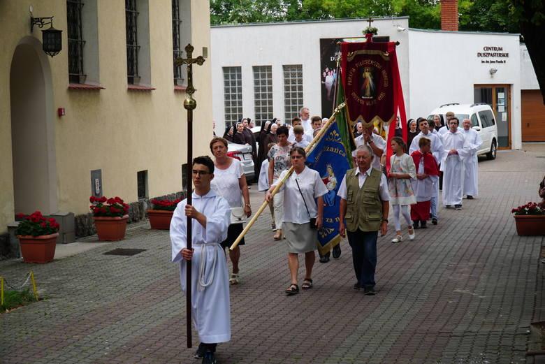 W poznańskich parafiach trwają odpusty. W niedzielę odbył się odpust ku czci błogosławionej siostry Sancji Janiny Szymkowiak w parafii pw Św. Rocha w