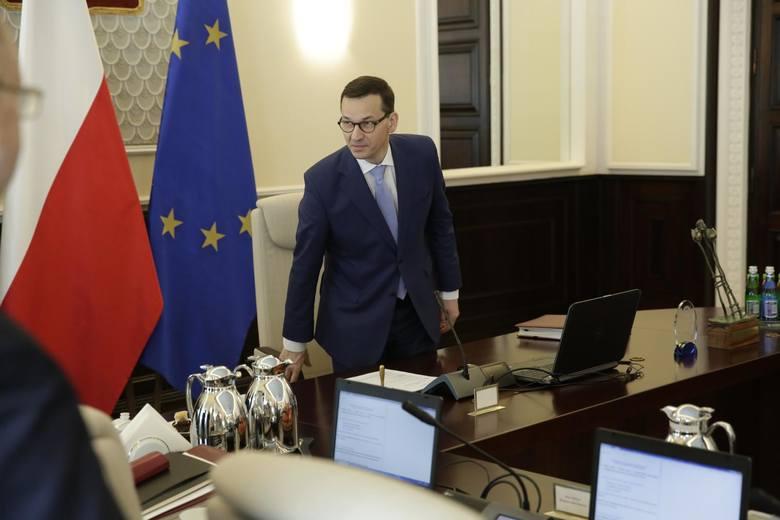 Projekt wskazuje, iż rząd Mateusza Morawieckiego planuje ten brak nadrobić, co zresztą stwierdził wprost sam premier. Zadeklarował on 15 kwietnia, że