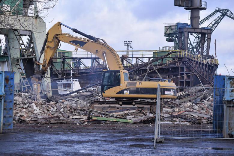 Na terenie Stoczni Gdańsk rozpoczęło się wyburzanie obiektów. Tym samym rozpoczął się kolejny etap budowy Drogi do Wolności. Na miejscu powstanie droga
