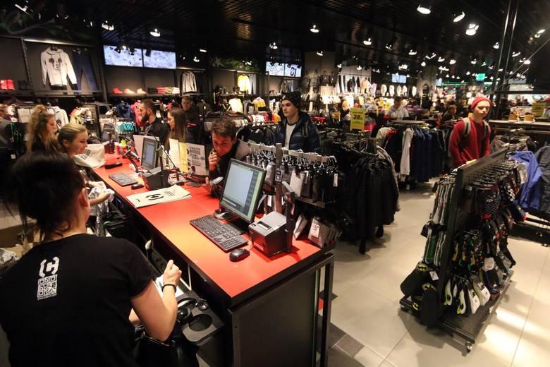 Prawie połowa pracowników branży handlowej chciałaby pracować poza handlem.