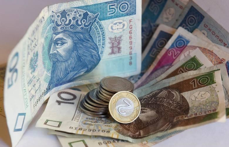 Średnia krajowa w 2020 roku: ile można zarobić? Większość Polaków chciałoby zarabiać około 5 tysięcy złotych. Zobacz najnowsze dane