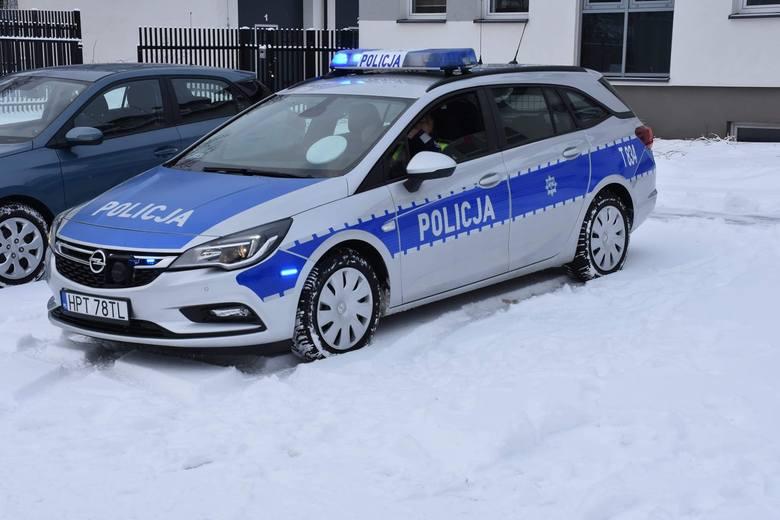 Policjanci z Gołdapi otrzymali nowy radiowóz. Pojazd będzie wykorzystywany w codziennej służbie przez funkcjonariuszy ruchu drogowego dbających o bezpieczeństwo