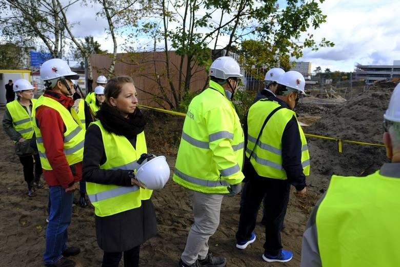 Zwiedzanie budowy szpitala na Bielanach [NOWE ZDJĘCIA]Nowy szpital na toruńskich Bielanach będzie jednym z najnowocześniejszych w kraju. W 36 miesięcy