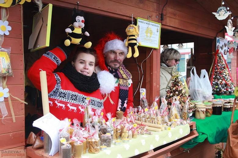 W sobotę i niedzielę na placu Wolności we Włocławku czynny jest Jarmark Bożonarodzeniowy. Jest wielu producentów, twórców ludowych i rękodzielników,