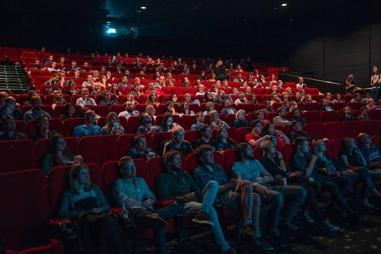 15 grudnia w całej Polsce trwa Święto Kina. To akcja mająca zachęcić ludzi do chodzenia na filmy do kin. W jej ramach bilety na wszystkie filmy kosztują