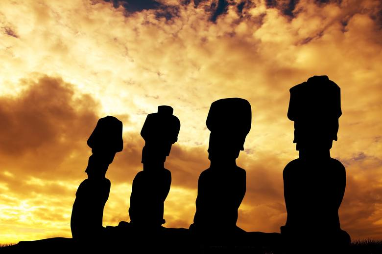Rapa Nui byłoby pewnie jedną z tysięcy zapomnianych wysp rozsianych po morzach i oceanach, gdyby nie imponujące, wyciosane z kamienia moai. Doliczono się ich tu aż 887