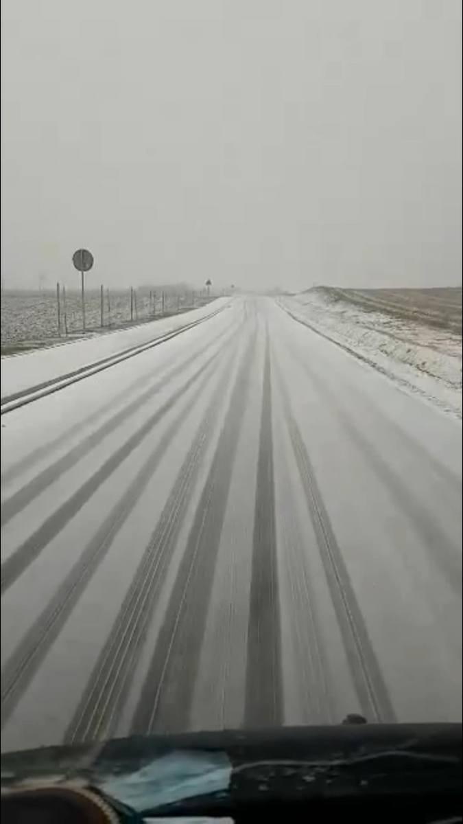 Sytuacja na drodze w gminie Więcbork.