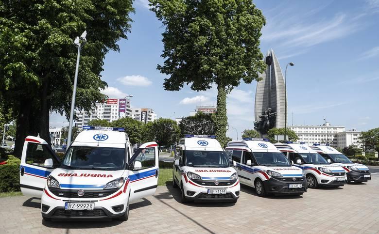 Wszystkie zamówione przez władze województwa podkarpackiego karetki transportowe dla Stacji Pogotowia Ratunkowego już są na Podkarpaciu. W sumie jest