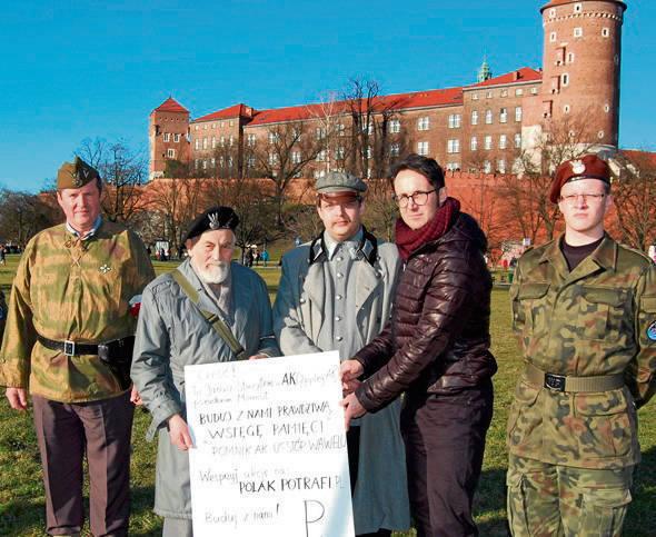 Do wsparcia akcji zachęca Janusz Kamocki, były żołnierz AK ps. Mamut