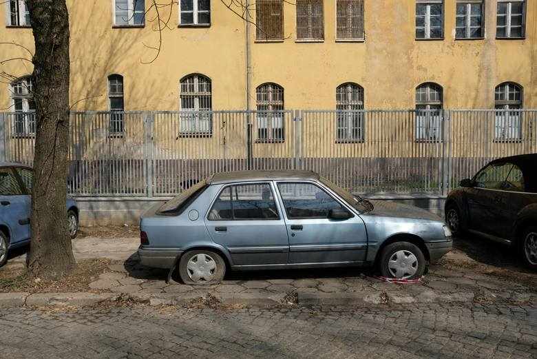Do końca czerwca poznańska straż miejska doprowadziła do usunięcia z ulic miasta 505 wraków. Z tej liczby 369 usunęli sami właściciele pojazdów.Gdzie