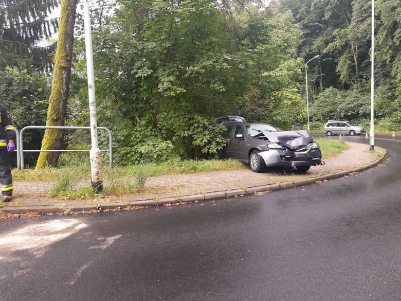 Wypadek w Przemyślu. Straciła panowanie nad autem i doprowadziła do zderzenia. Karetka zabrała ją do szpitala [ZDJĘCIA INTERNAUTY]