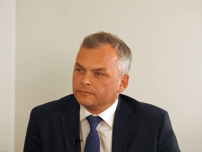 Jarosław Jabłoński, redaktor naczelny Kuriera Porannego i Gazety Współczesnej zaprosił do redakcji Krzysztofa Marcinowicza i Marka Skrypko. Kandydaci