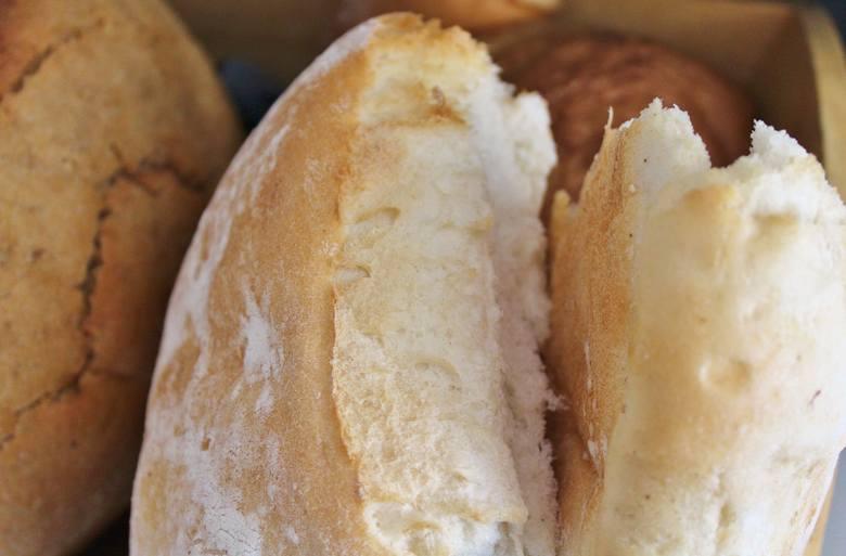 Dieta lekkostrawna przewiduje jedzenie białego pieczywa pszennego – inne rodzaje podlegają ograniczeniu lub są niewskazane.