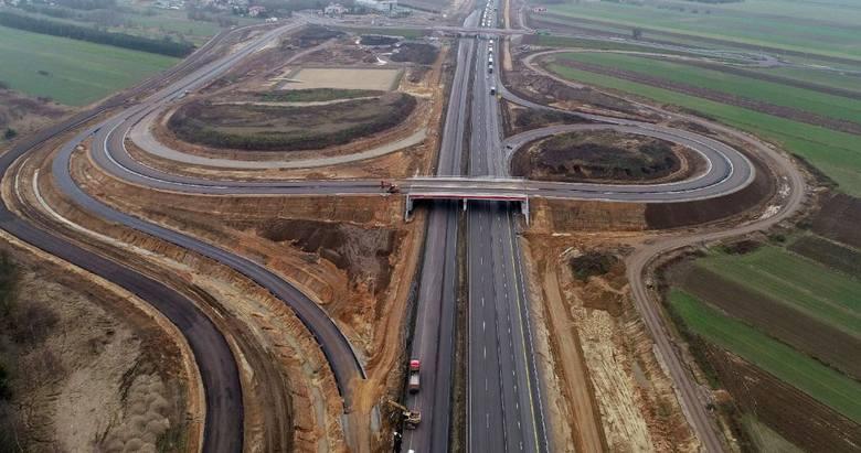 Nowe drogi w województwie śląskim: Autostrada A1To największa z realizowanych obecnie na terenie województwa śląskiego inwestycji drogowych. Powstaje