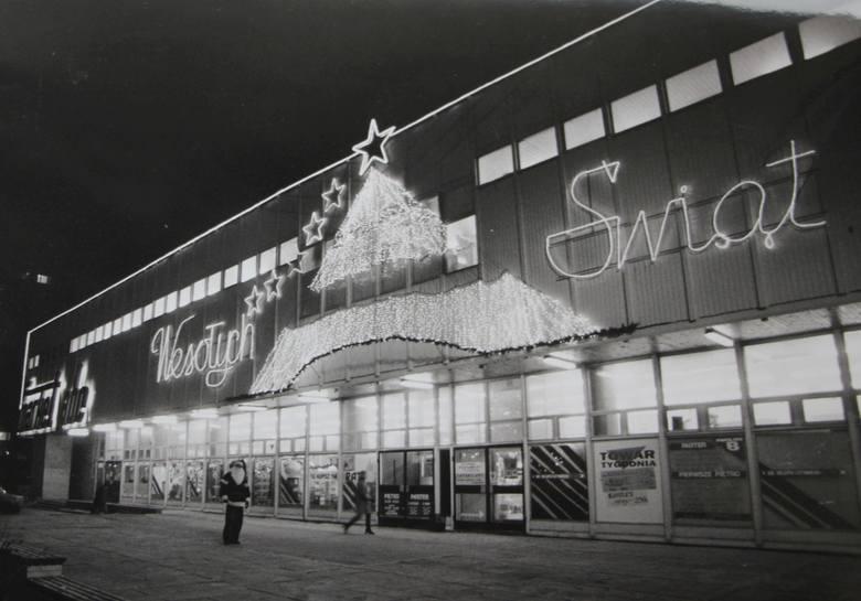 Nie było galerii handlowych i smartfonów. Pamiętacie, jak wyglądały świąteczne zakupy na Podlasiu na przełomie wieków?