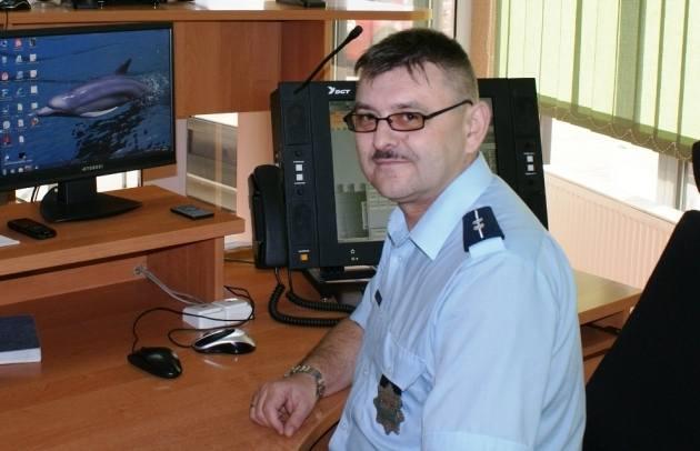 Policjanci z Wieruszowa przez telefon uratowali dziecko. Na zdjęciu: aspirant Adam Śmigiel.