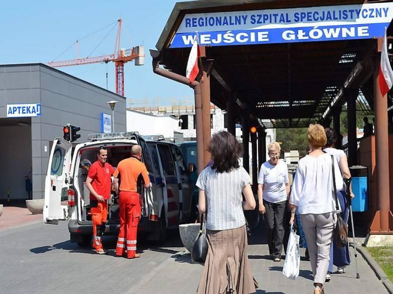 Gdy na karetkę, która jest w akcji,  trzeba poczekać, ludzie sami wiozą chorego z Wąbrzęźna lub innych miejscowości do szpitala w Grudziądzu, by przyspieszyć